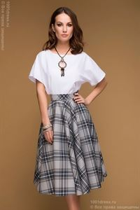 Picture of DM00492WH white top with short sleeves