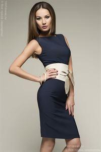 Изображение Платье DM00056BL синее с песочным поясом длины мини
