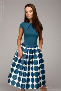 Picture of Dress DM00930TR of midi length with short sleeves and a print on the skirt; color: dark turquoise